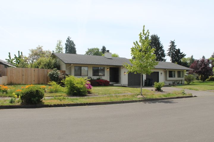1295 W Olympic St<br />Springfield, OR