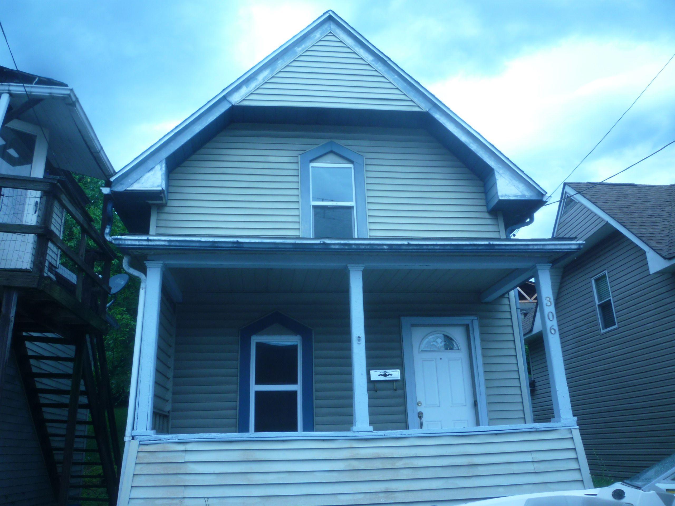 306 Laredo St, Mckeesport, PA