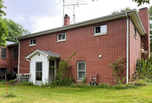 2300 S Canfield-Niles Rd, Youngstown, OH