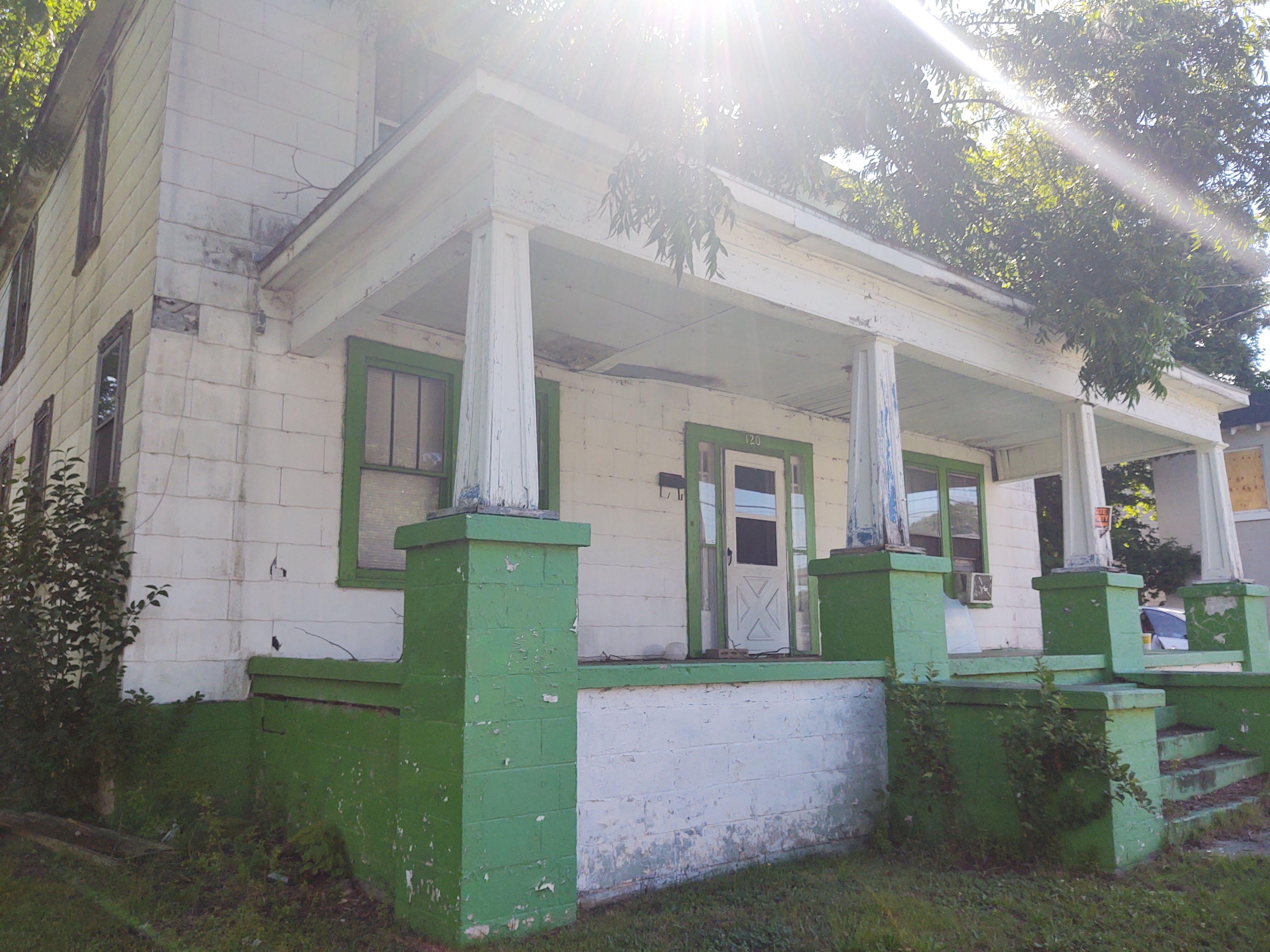 120 W Rockspring St<br />Henderson, NC