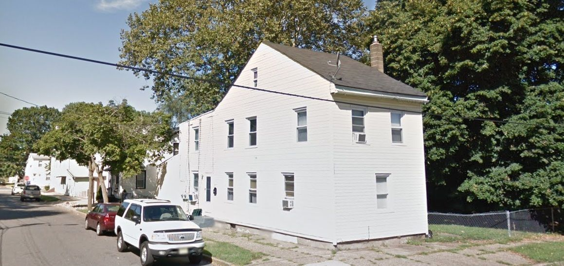 221 Laurel St, Beverly, NJ