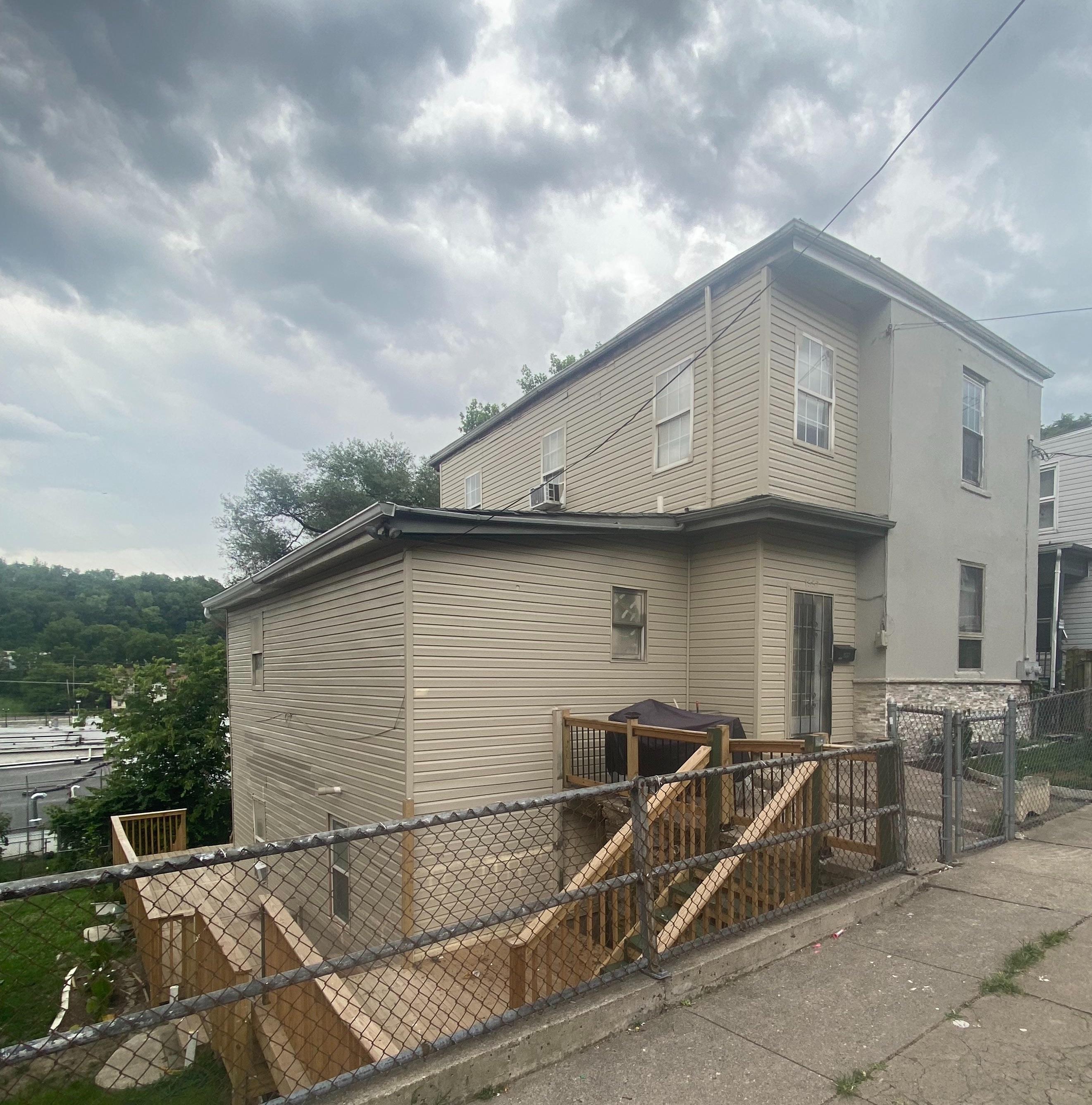 1557 Tremont St, Cincinnati, OH
