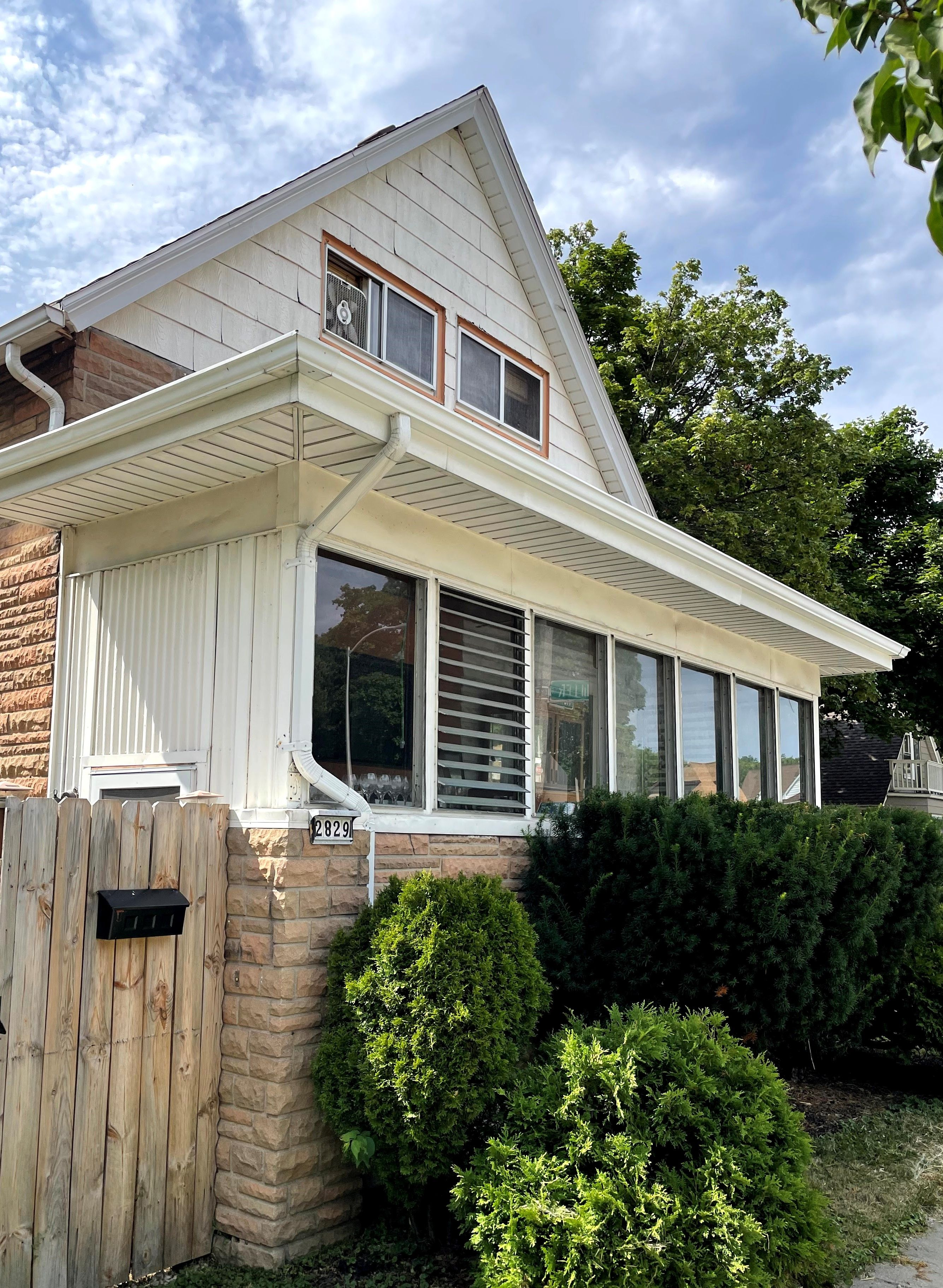 2829 S Howell Ave., Milwaukee, WI