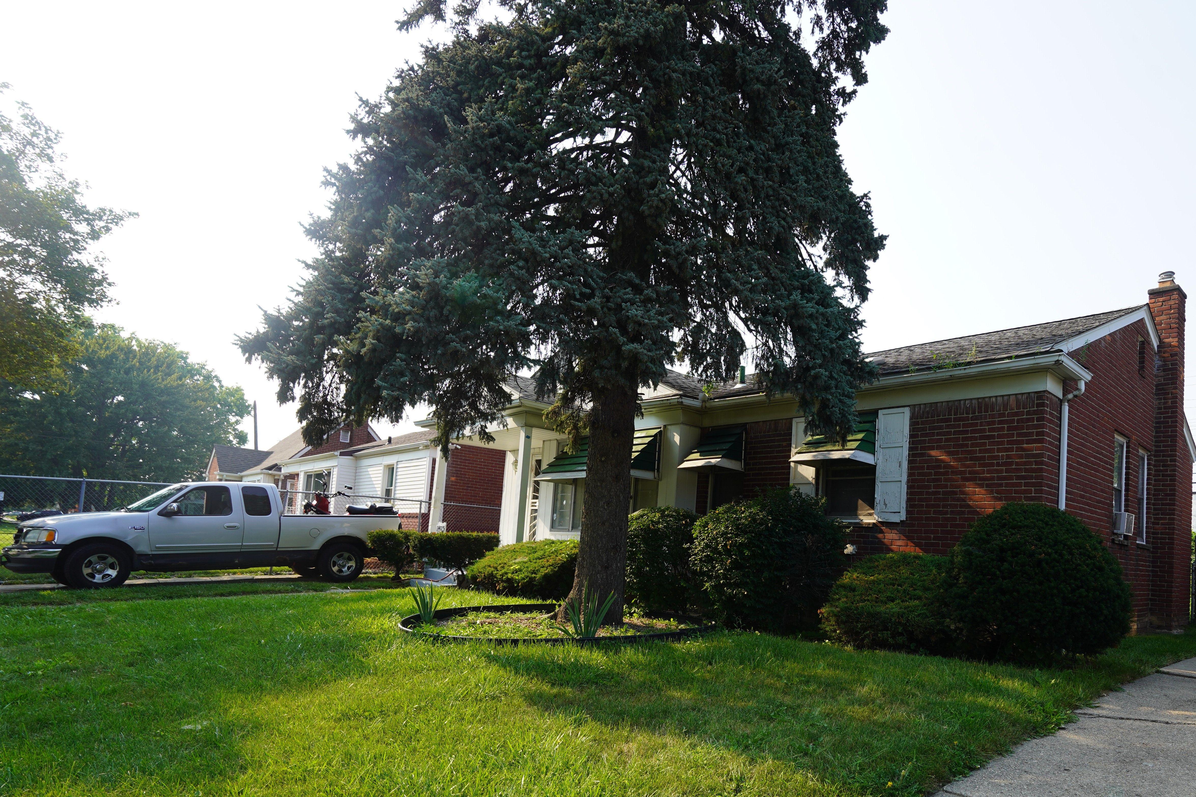 14015 Carlisle St, Detroit, MI