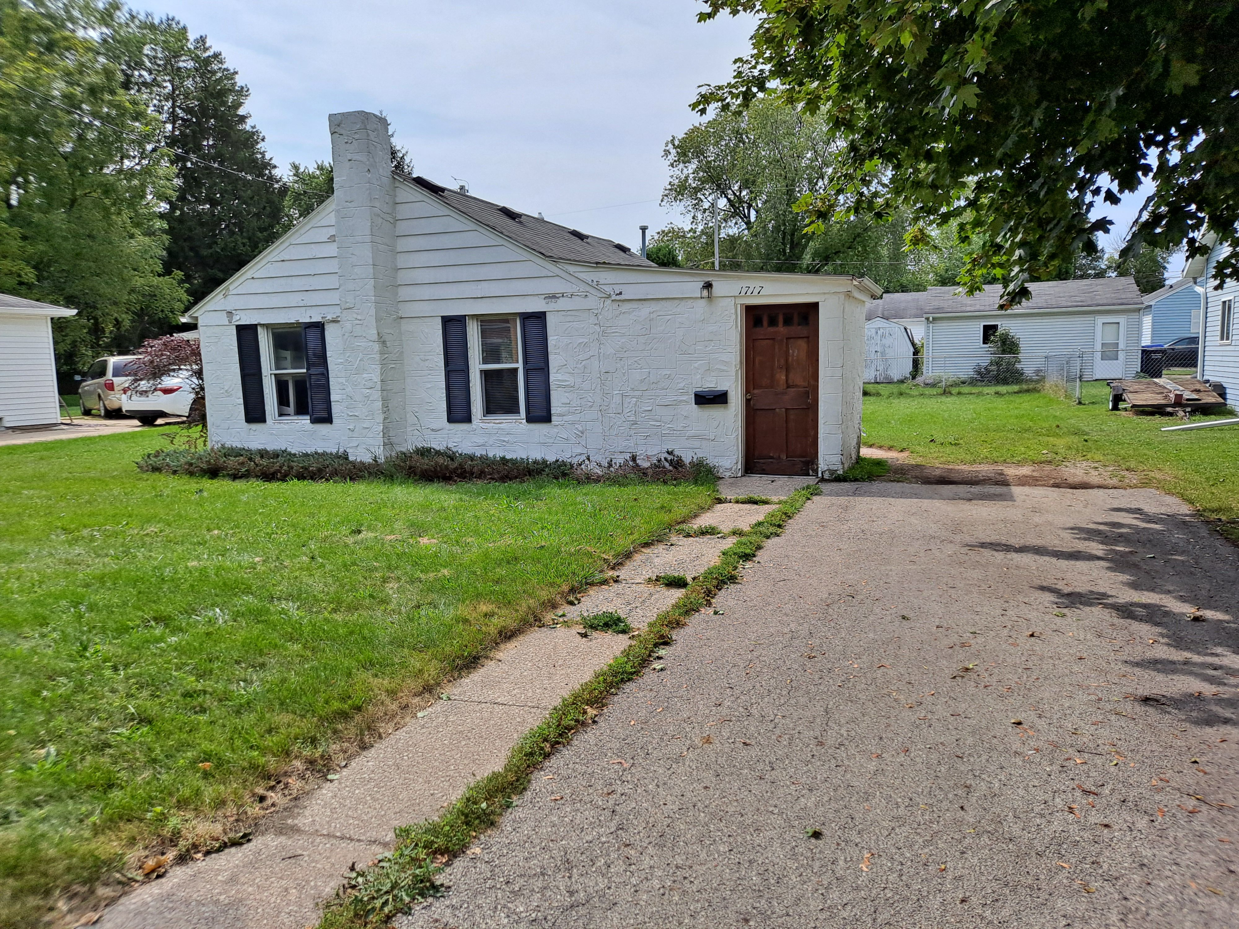 1717 N Charlotte St, Appleton, WI