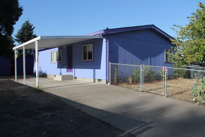 681 54th St<br />Springfield, OR