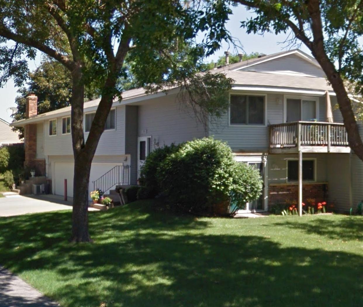 1702 E 123rd St, Burnsville, MN