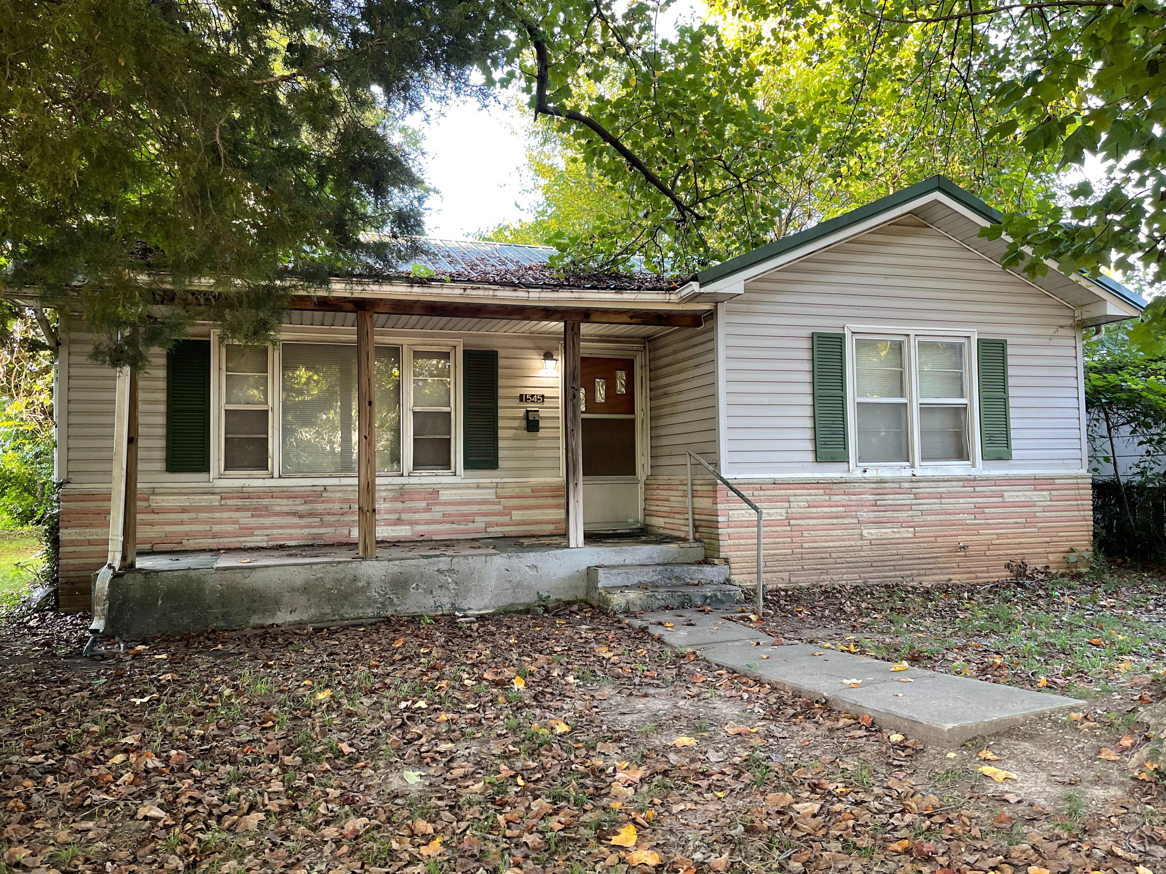 1545 E Commercial St, Springfield, MO