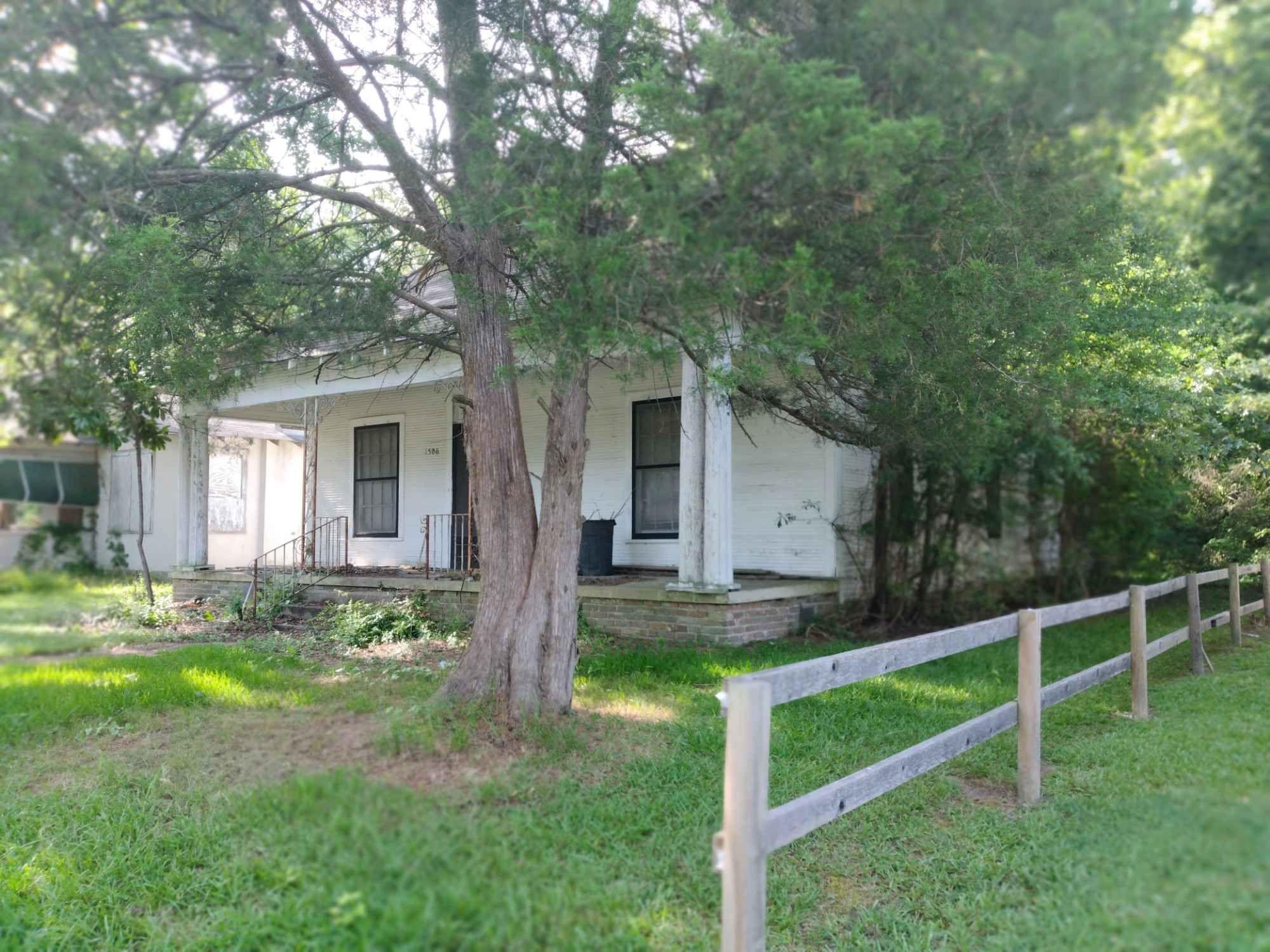 1506 W 15th Ave, Pine Bluff, AR