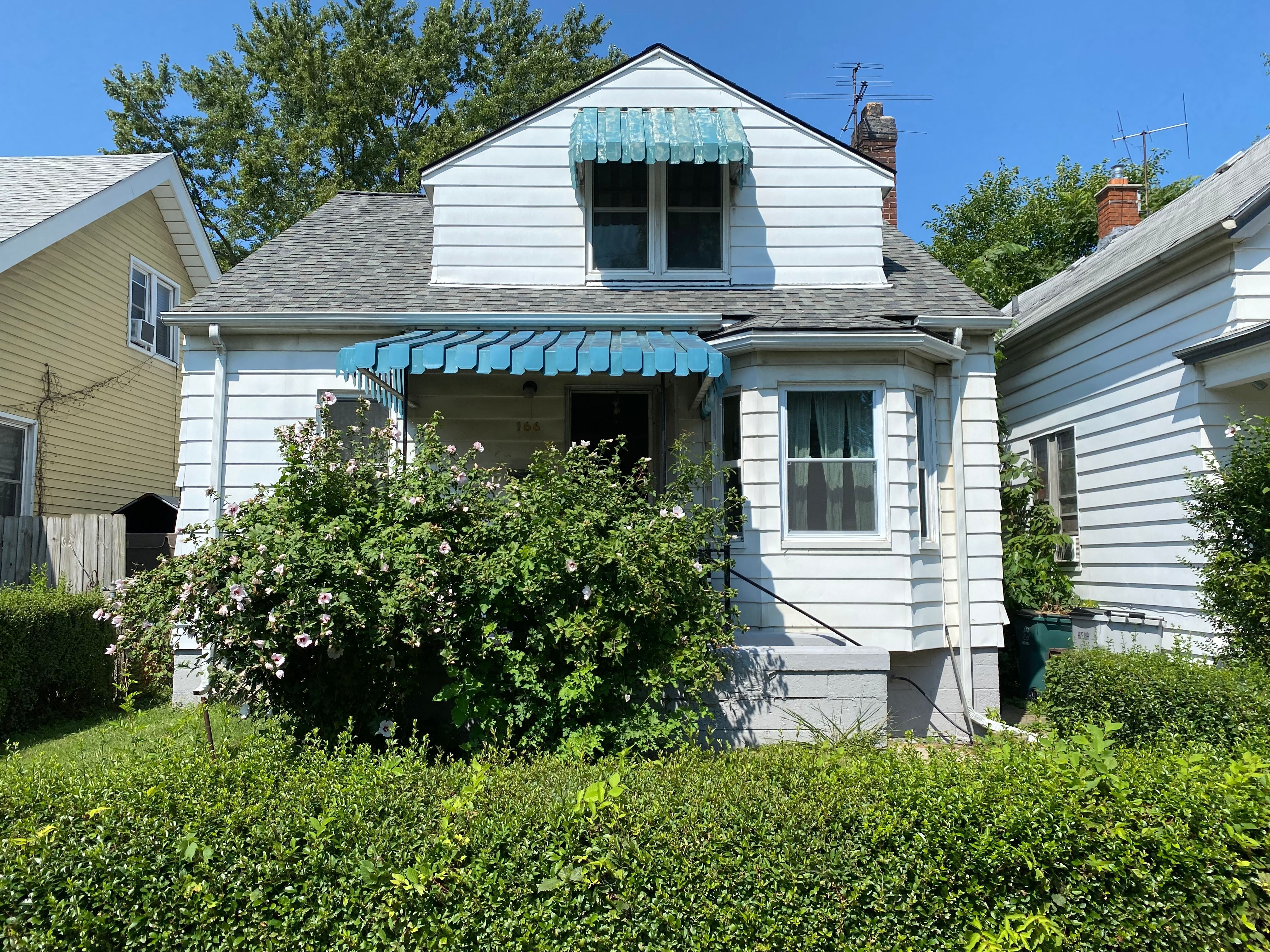166 W George Ave, Hazel Park, MI