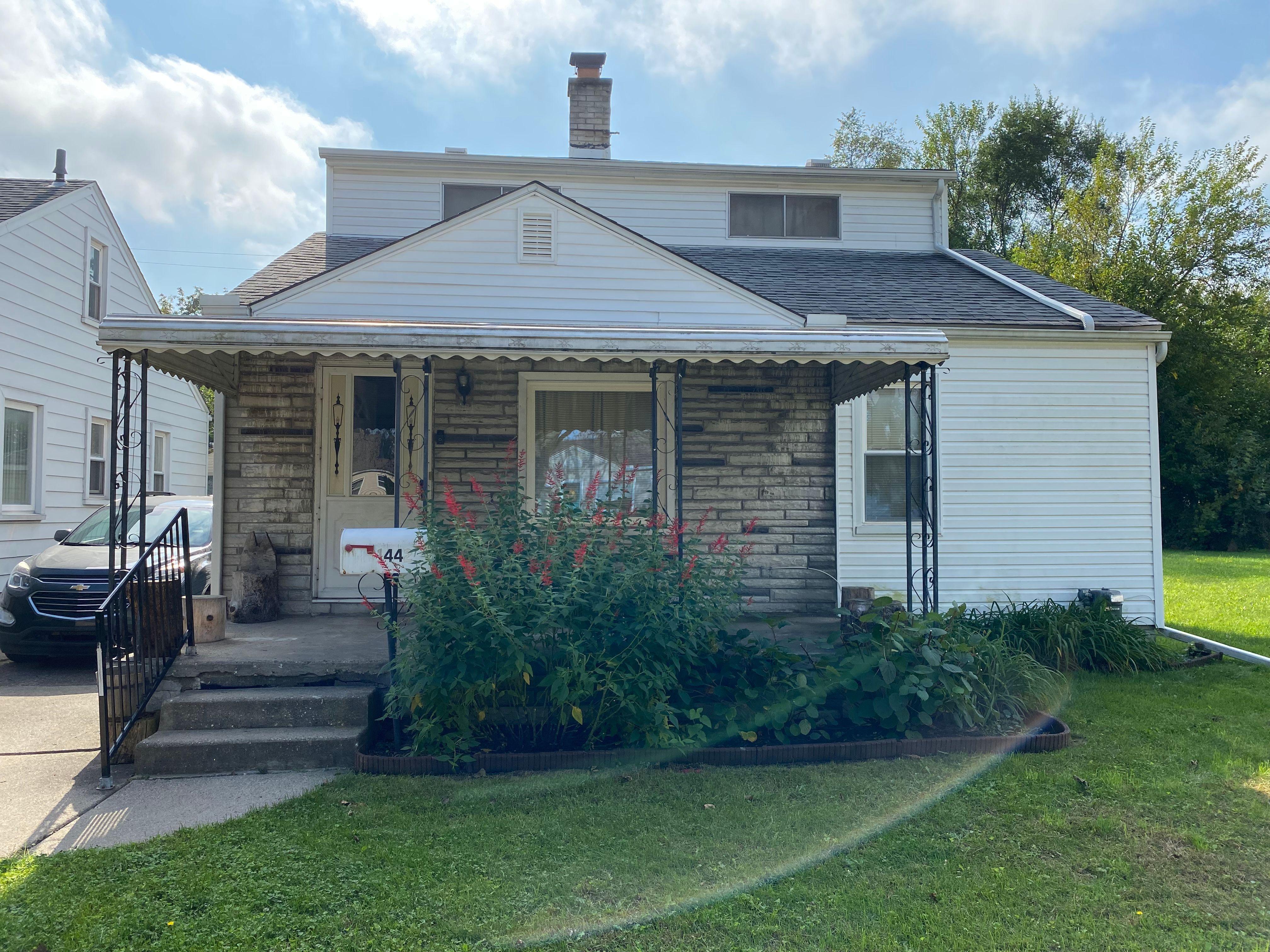 1442 E Maxlow Ave, Hazel Park, MI
