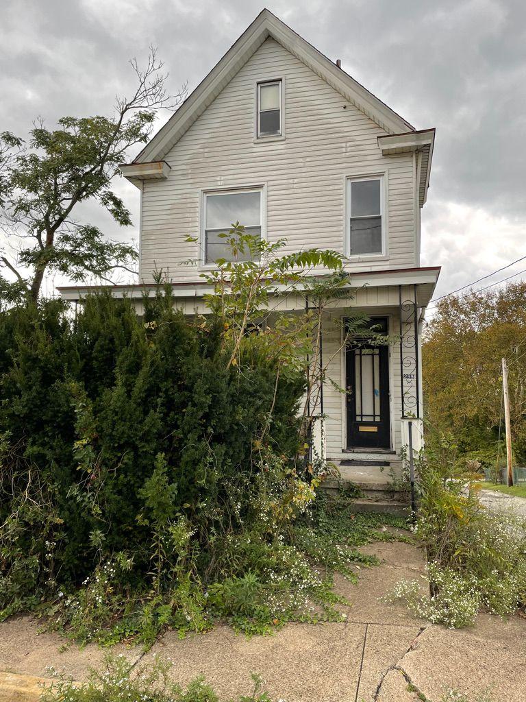 299 N 7th St, Jeannette, PA