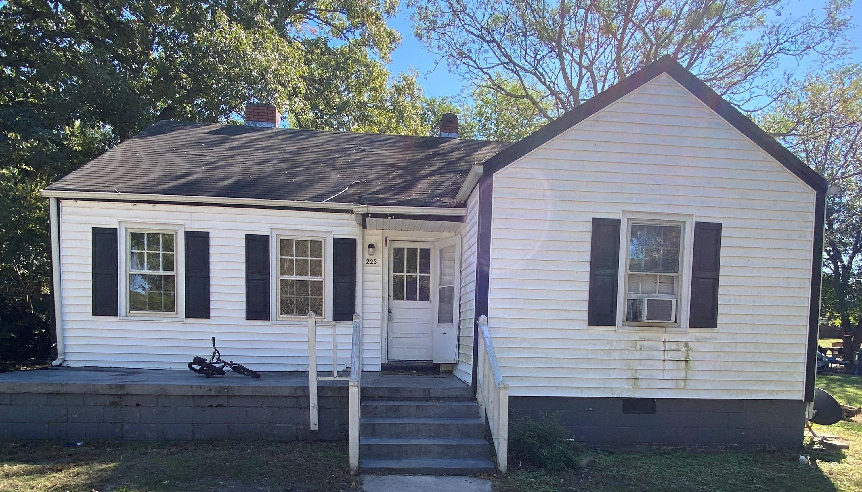 223 W Barbee St, Zebulon, NC