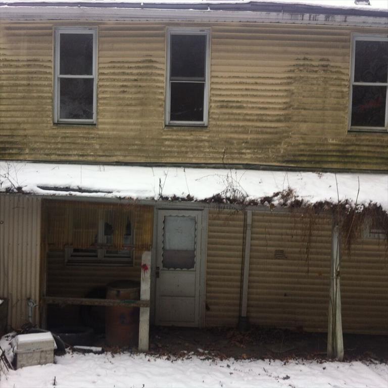 624 E Mahanoy Ave, Girardville, PA