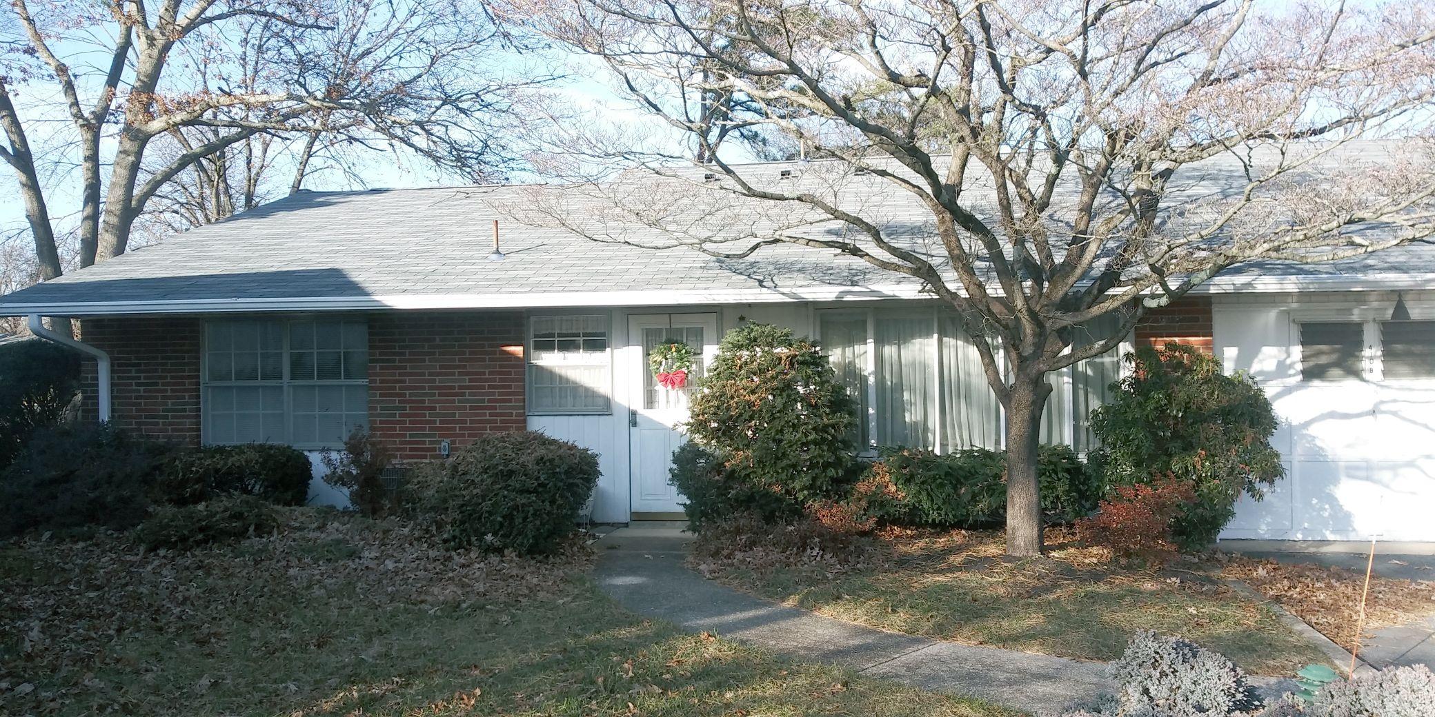 410 Portsmouth Dr, Lakewood Township, NJ