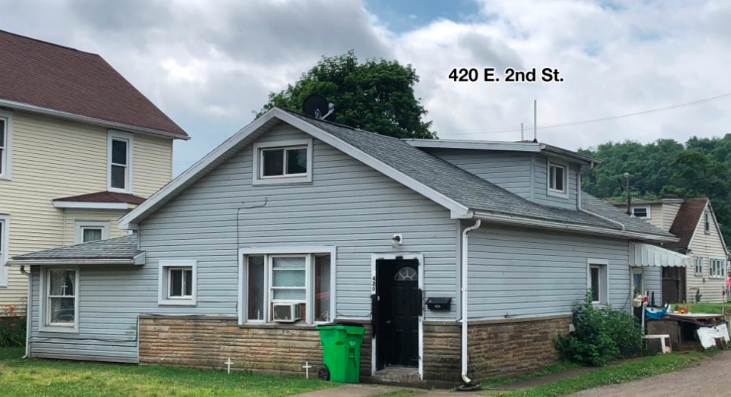421 East First St & 420 East 2nd St, Uhrichsville, OH