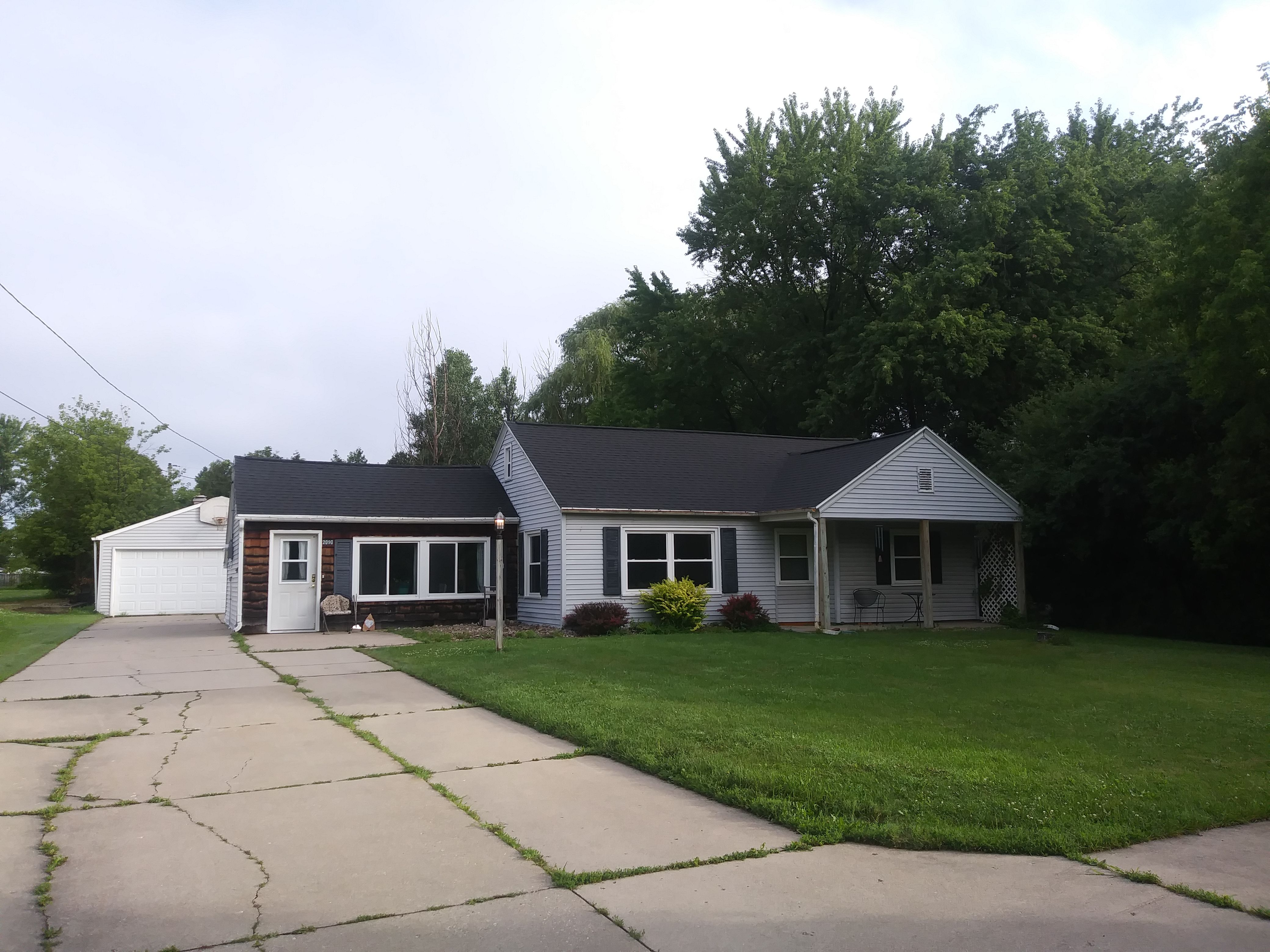 2090 Lost Dauphin Rd (Image - 1)