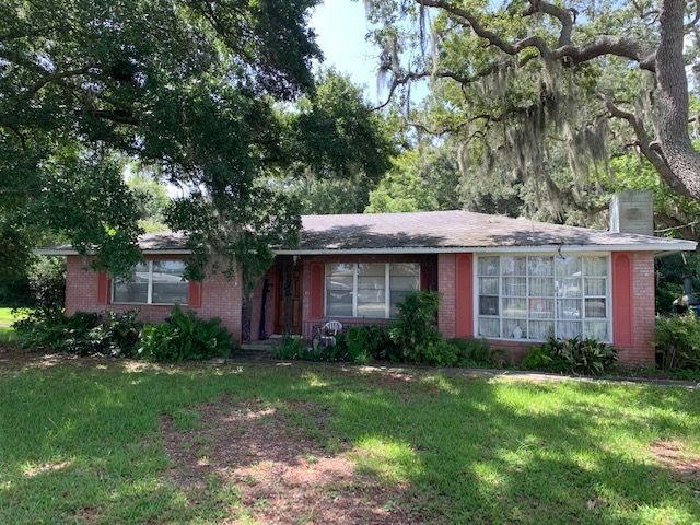 1053 Old Big Tree Rd, Daytona Beach, FL