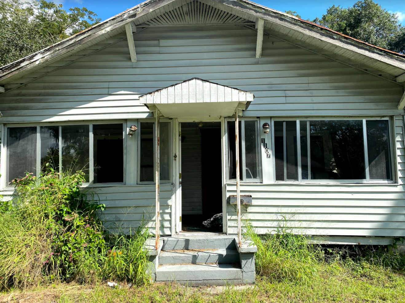 1107 Penfield St (Image - 1)