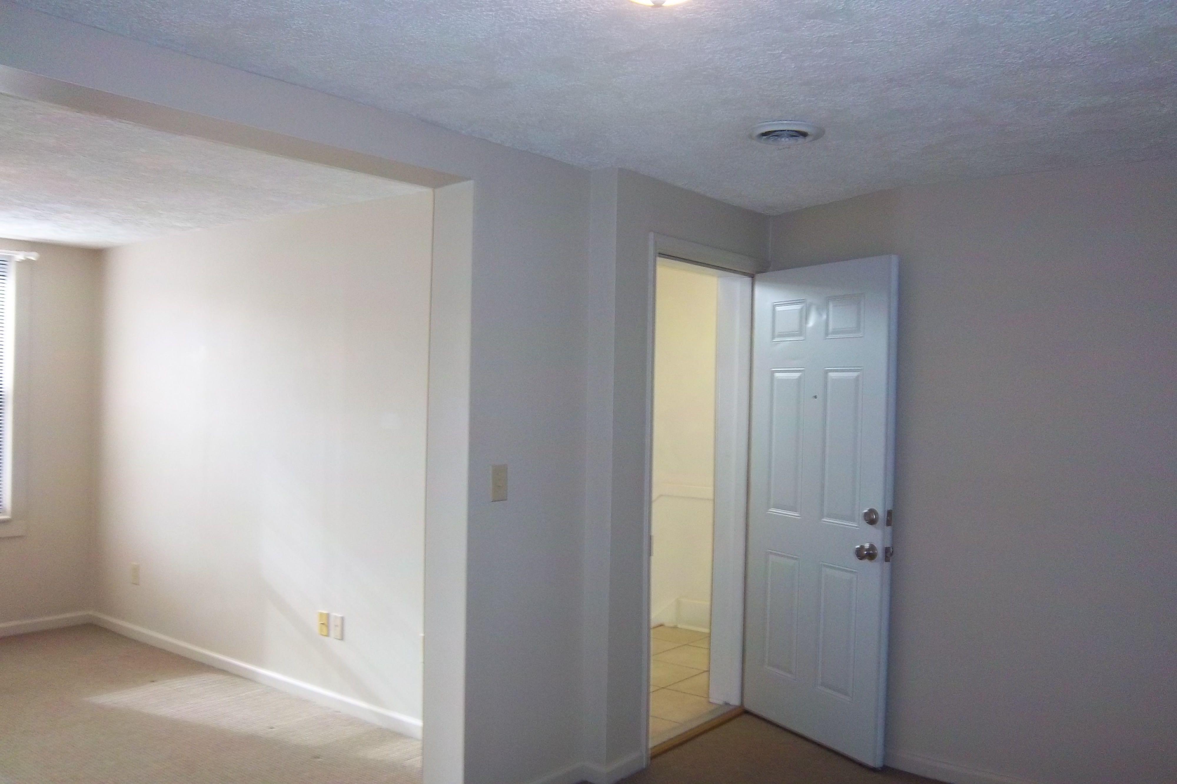 105 E Third Street - Apt 4 (Image - 1)