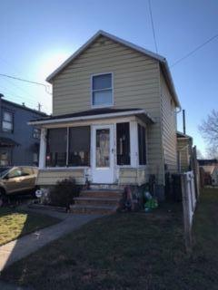 207 7th St NW, Barberton, OH