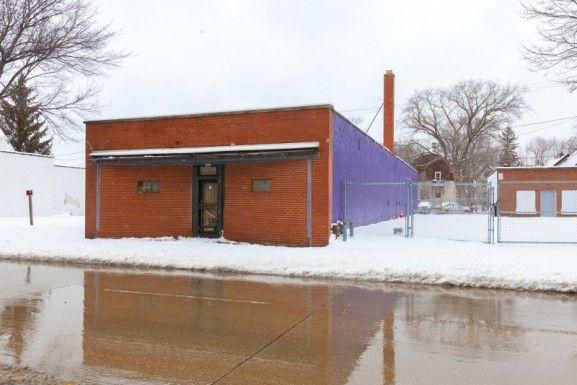 2512 W Fond Du Lac Ave, Milwaukee, WI