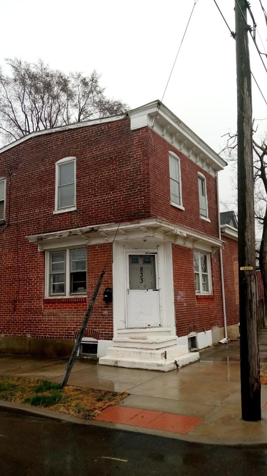 833 Clayton St (Image - 2)