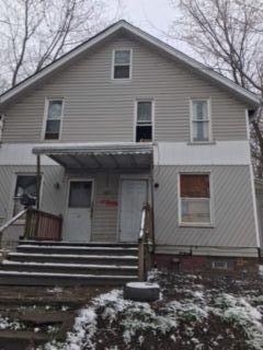 1074 Raymond St, Akron, OH