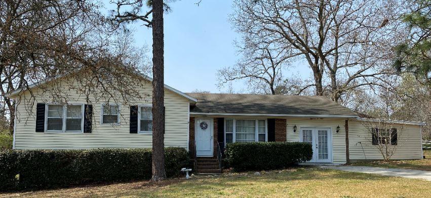 1803 Kenwood Ave, Spring Lake, NC