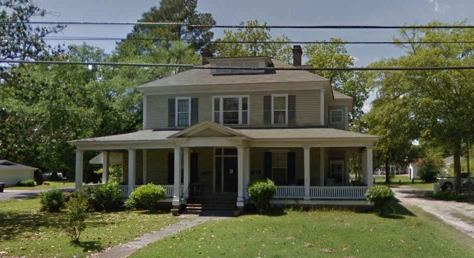 701 College St, Clinton, NC
