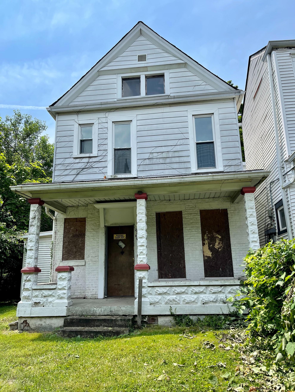 2700 W Jefferson St, Louisville, KY