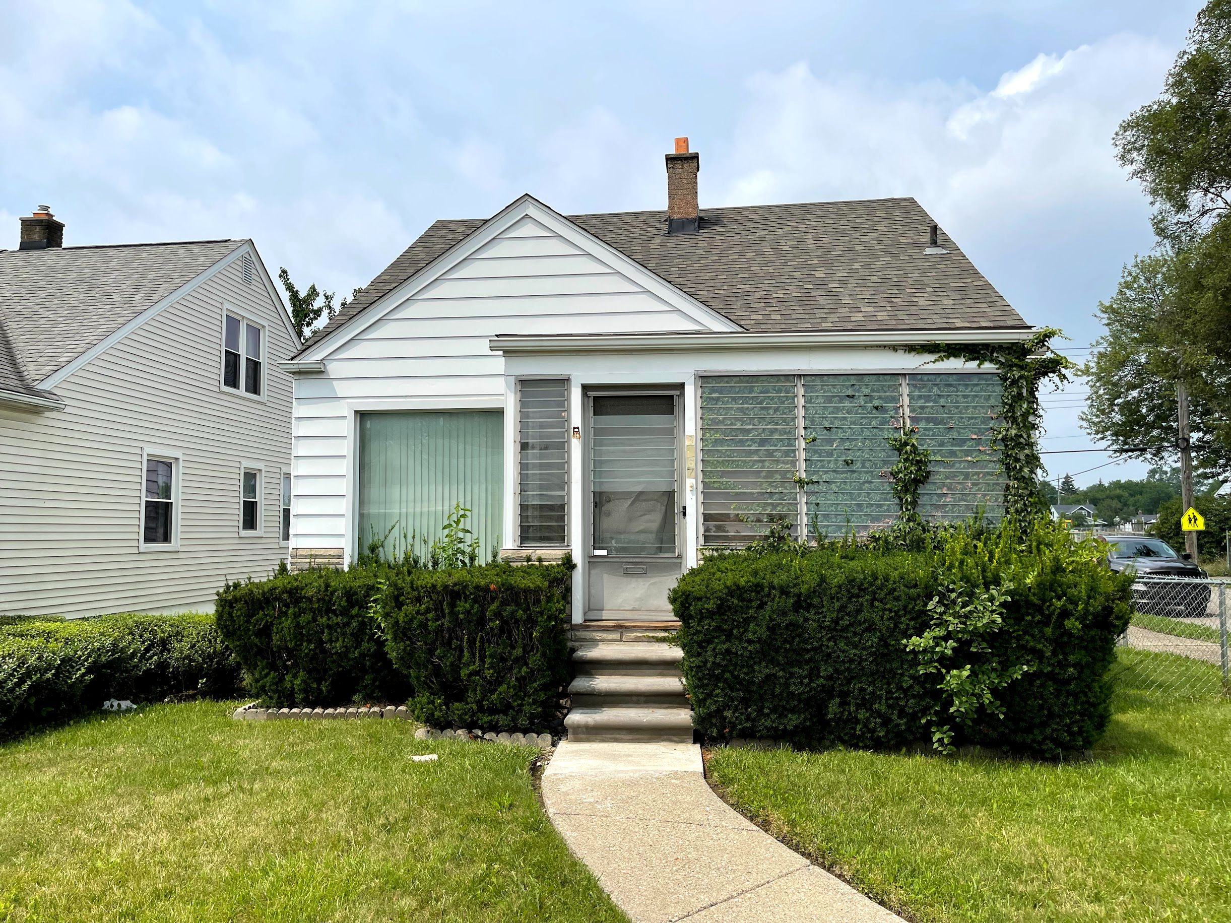 6167 Greenview Ave (Image - 1)